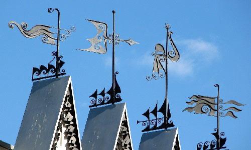 Различные флюгеры на крышу