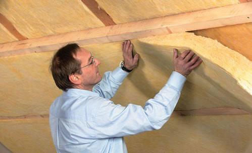 Чердак дома необходимо утеплять для того, чтобы снизить теплопотерю дома зимой и уменьшить нагрев дома летом.