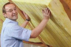 Материалы для утепления крыши можно использовать любые, главное, уложить их в правильном порядке.