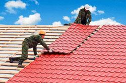 Один из вариантов реконструкции крыши - замена кровельного материала частично или полностью.